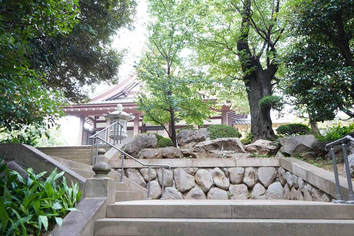 長仙寺境内階段